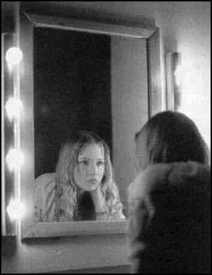 girl in mirror